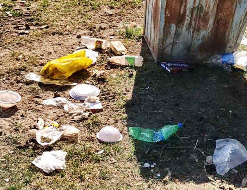 Каракольский национальный парк утопает в мусоре. Туристы в шоке