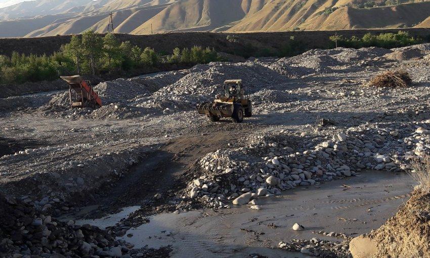 Исчезающий Чаткал: Не всё то золото, что блестит или что важнее: экология или экономия?!
